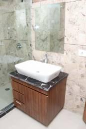 gold-floor Bathroom