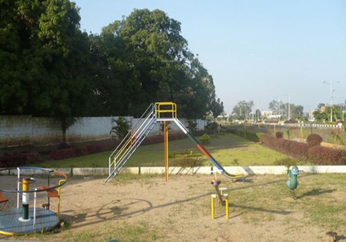elmwood-phase-ii Children's play area
