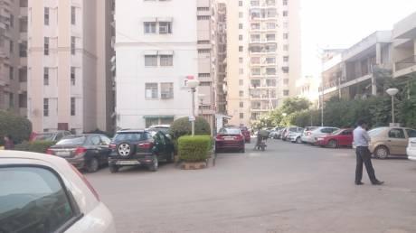 maple-crescent Car Parking