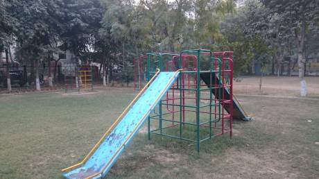sushant-apartment Children's play area