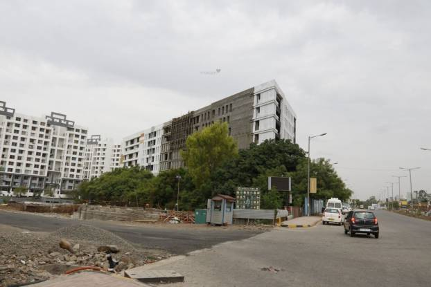 Kolte Patil Xenia Construction Status