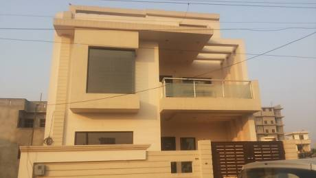 2100 sqft, 3 bhk BuilderFloor in Builder Project Sector 11, Faridabad at Rs. 85.0000 Lacs