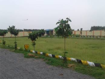1350 sqft, Plot in Builder Vharsha Paradise Koppuravuru, Guntur at Rs. 18.7500 Lacs