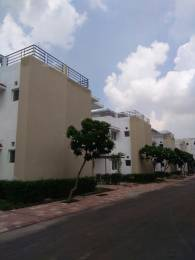 1742 sqft, 3 bhk Villa in Paramount Golfforeste Villas Zeta, Greater Noida at Rs. 12000