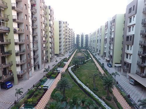 1307 sqft, 2 bhk Apartment in  Maya Garden City Nagla, Zirakpur at Rs. 13000