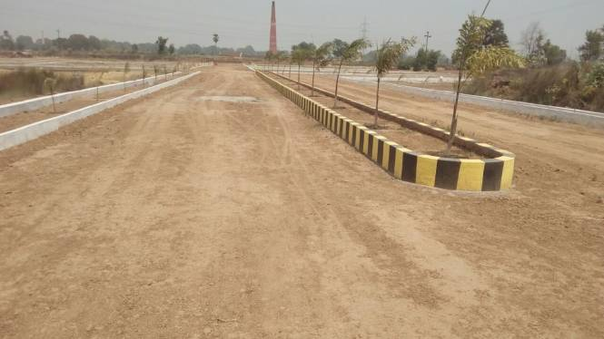 1000 sqft, Plot in Builder solitaier city New Jail Road, Lucknow at Rs. 4.0000 Lacs