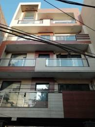 1450 sqft, 3 bhk IndependentHouse in Builder Project laxmi nagar near metro station, Delhi at Rs. 6.0000 Cr