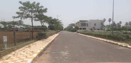 1647 sqft, Plot in Sree Vishnu Builders Prudhvi Enclave ramavarappadu, Vijayawada at Rs. 25.0000 Lacs
