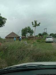 450 sqft, Plot in Builder Project Public Convenience Jewar, Greater Noida at Rs. 5.0000 Lacs