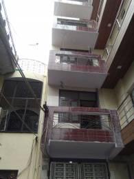 900 sqft, 3 bhk BuilderFloor in Builder Project laxmi nagar, Delhi at Rs. 20000
