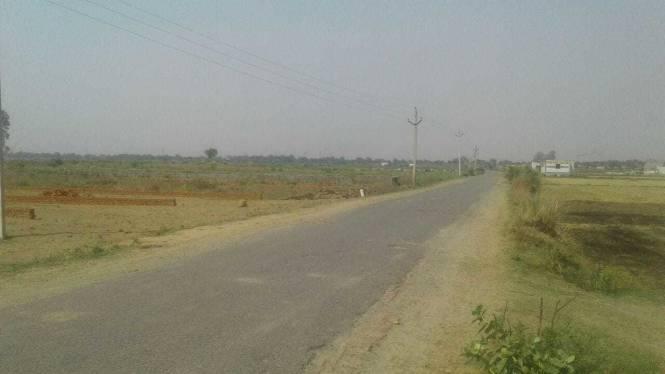 1350 sqft, Plot in Builder Project Near Jewar Airport At Yamuna Expressway, Greater Noida at Rs. 7.5000 Lacs