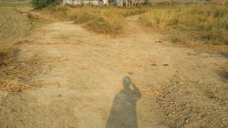 630 sqft, Plot in Builder Project New Anand Vihar Colony Road, Ghaziabad at Rs. 14.0000 Lacs