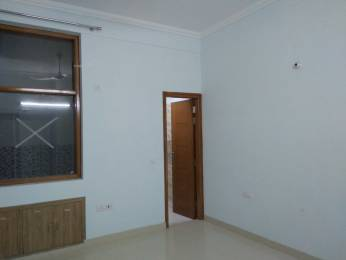 2000 sqft, 2 bhk BuilderFloor in Builder Project Sector 100, Noida at Rs. 15000