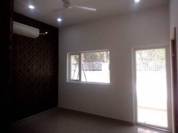 838 sqft, 3 bhk Apartment in Sarvome Shree Homes Sector 45, Faridabad at Rs. 30.0000 Lacs