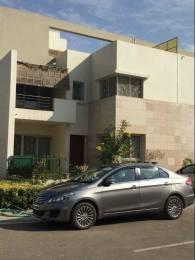 2025 sqft, 3 bhk Villa in Vatika Signature Villas Sector 82, Gurgaon at Rs. 30000