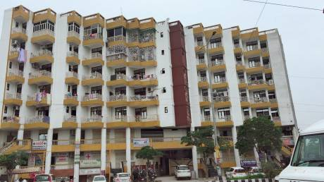 1800 sqft, 3 bhk Apartment in  Chauhan East Platnium Sector 44, Noida at Rs. 50.0000 Lacs