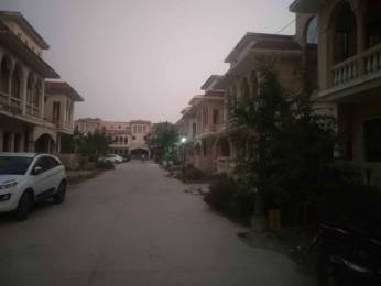 2525 sqft, 4 bhk Villa in Amrapali Leisure Valley Techzone 4, Greater Noida at Rs. 17000