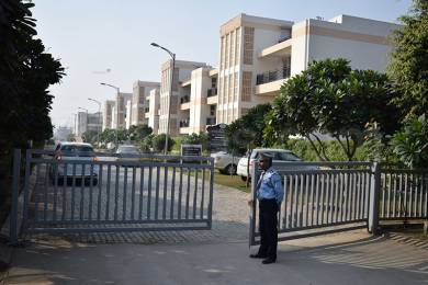 2700 sqft, 3 bhk BuilderFloor in Puri VIP Floors Sector 81, Faridabad at Rs. 15000