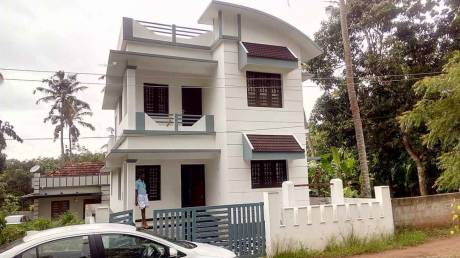 1300 sqft, 3 bhk IndependentHouse in Builder Project Thripunithura, Kochi at Rs. 43.0000 Lacs