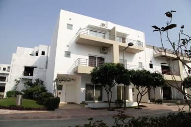 2452 sqft, 4 bhk Villa in Builder Paramount Golf Foreste Villa Greater noida, Noida at Rs. 1.1000 Cr
