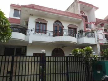 2300 sqft, 4 bhk Villa in Builder Project Sector 45, Noida at Rs. 1.7500 Cr