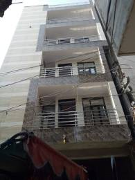 765 sqft, 3 bhk BuilderFloor in Builder Project Gurudwara Road, Delhi at Rs. 45.6100 Lacs