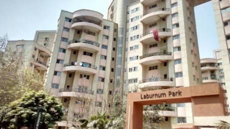 2200 sqft, 3 bhk Apartment in Magarpatta Laburnum Park Hadapsar, Pune at Rs. 45000