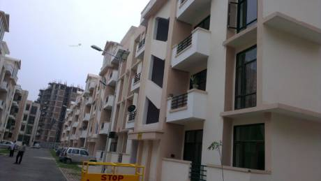 1620 sqft, 3 bhk Apartment in SRS Pearl Heights Sector 87, Faridabad at Rs. 32.0000 Lacs