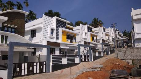 2000 sqft, 4 bhk Villa in Builder Valiaparambil Kakkanad, Kochi at Rs. 68.0000 Lacs