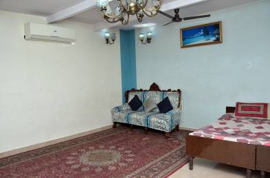 950 sqft, 1 bhk Apartment in Builder Project Pant Nagar, Delhi at Rs. 33000
