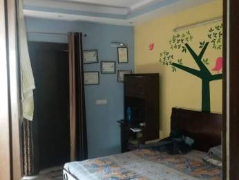 900 sqft, 3 bhk Apartment in Builder Project Kaushambi, Delhi at Rs. 35.0000 Lacs