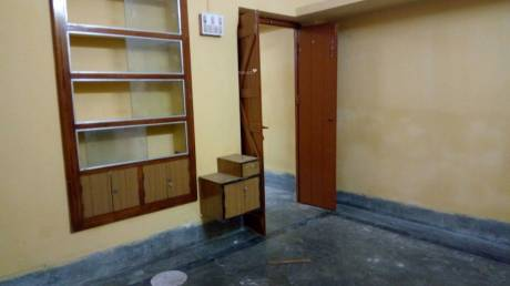 750 sqft, 2 bhk IndependentHouse in Builder Project Tollygunge, Kolkata at Rs. 7500