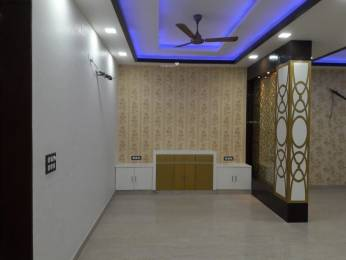 930 sqft, 1 bhk Apartment in V3s Indralok Nyay Khand, Ghaziabad at Rs. 13000