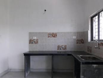 915 sqft, 3 bhk Apartment in Builder Project Tangra, Kolkata at Rs. 38.5000 Lacs