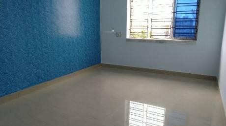 750 sqft, 2 bhk Apartment in Builder Project Kaikhali, Kolkata at Rs. 10000