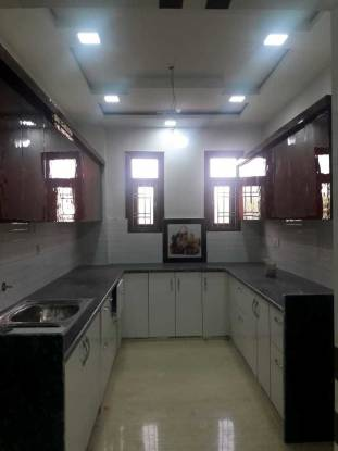 2000 sqft, 4 bhk BuilderFloor in Builder Project Sector 25 Rohini, Delhi at Rs. 1.6500 Cr