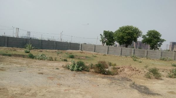 2700 sqft, Plot in Builder Project Sector 76, Faridabad at Rs. 68.0000 Lacs